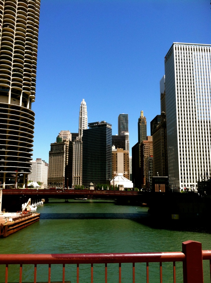 Chicago: River + City
