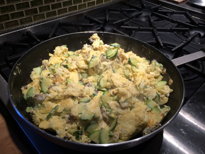 fuel sweat grow: egg scramble #paleo breakfast