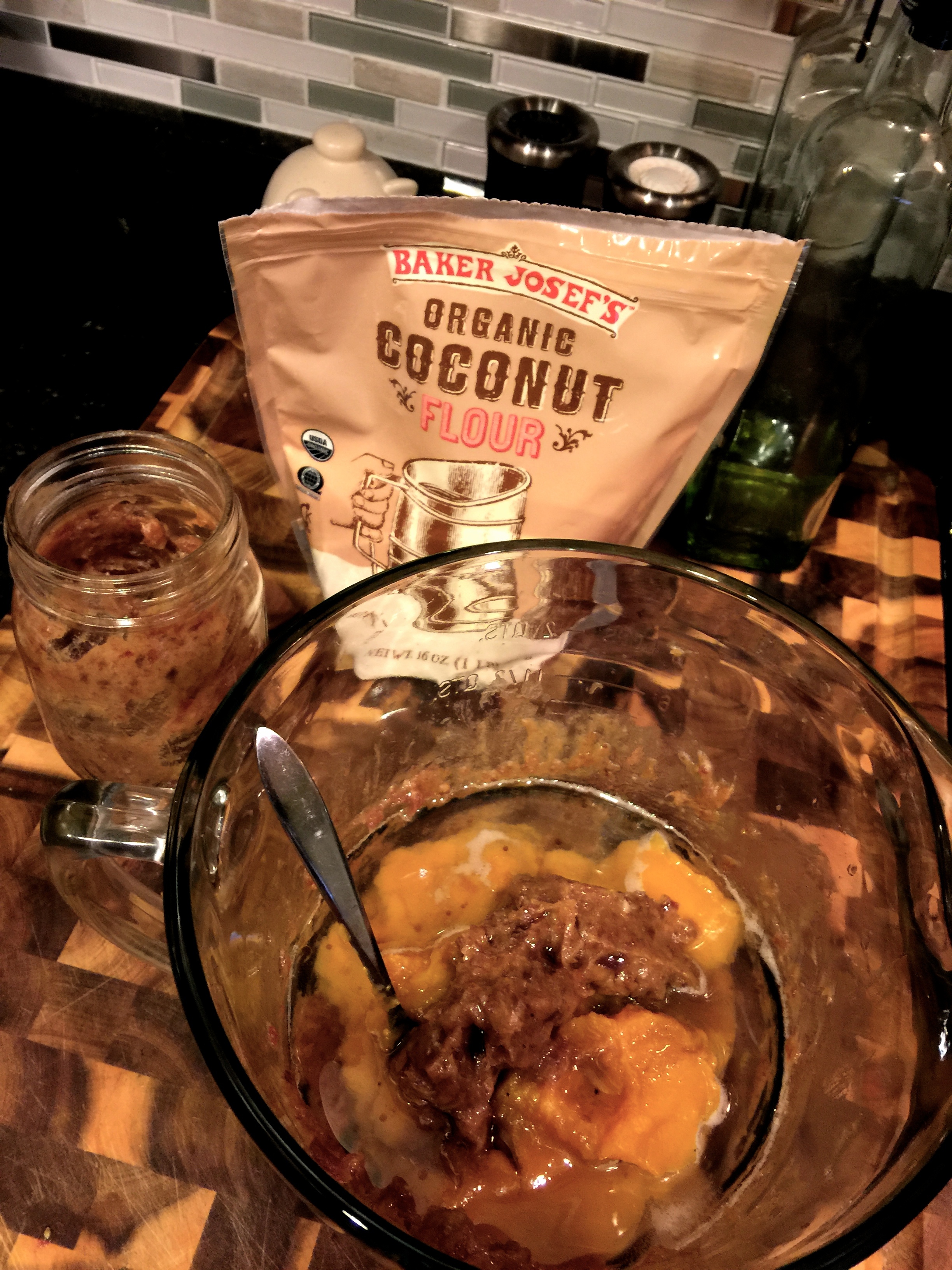 fuel sweat grow: paleo pumpkin chocolate chip muffins
